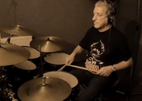 Thomas spielt Adele- Rolling in the deep. (Audio & Video recording)